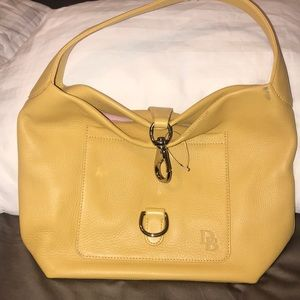 New Dooney & Bourke yellow leather bag. Size?